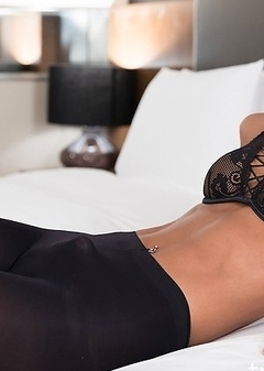 Miran is absolutely gorgerous in these black pantyhose