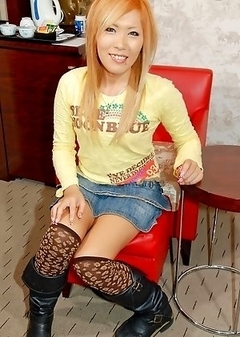 Kana is a trendy 20 year old newhalf with a well-toned body and a gorgeous sun-tan who says `I`ve yet to meet a guy who claimed to have no interests i